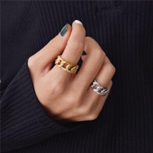 Madingas sidabrinis grandinės formos žiedas