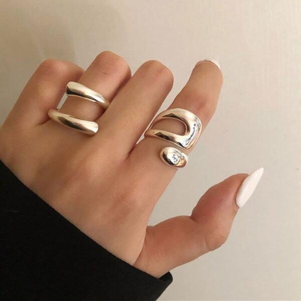 Sidabrinis minimalistinis unikalios formos žiedas-3