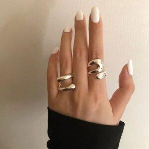 Sidabrinis minimalistinis unikalios formos žiedas