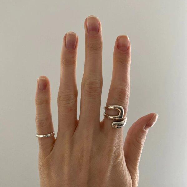 Sidabrinis minimalistinis unikalios formos žiedas-4