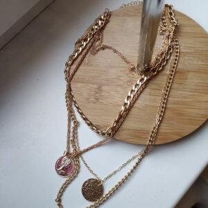 Aukso spalvos pakabukas grandinė su monetomis Gold
