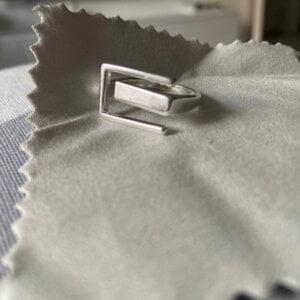 Sidabrinis stačiakampio formos žiedas-10