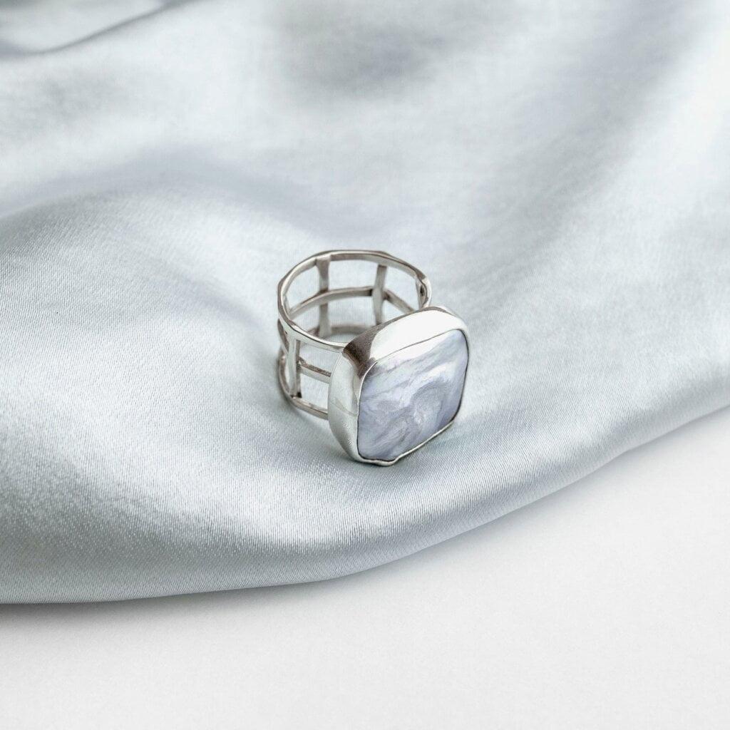 moteriški papuošalai ir aksesuarai-žiedai