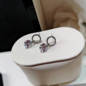 Korėjietiško stiliaus apvalios formos minimalistiniai auskarai su kubinio cirkonio kristalais-1
