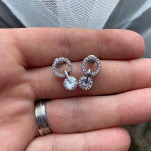 Korėjietiško stiliaus apvalios formos minimalistiniai auskarai su kubinio cirkonio kristalais-7