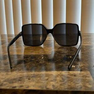 Dideli kvadratiniai akiniai nuo saulės-7
