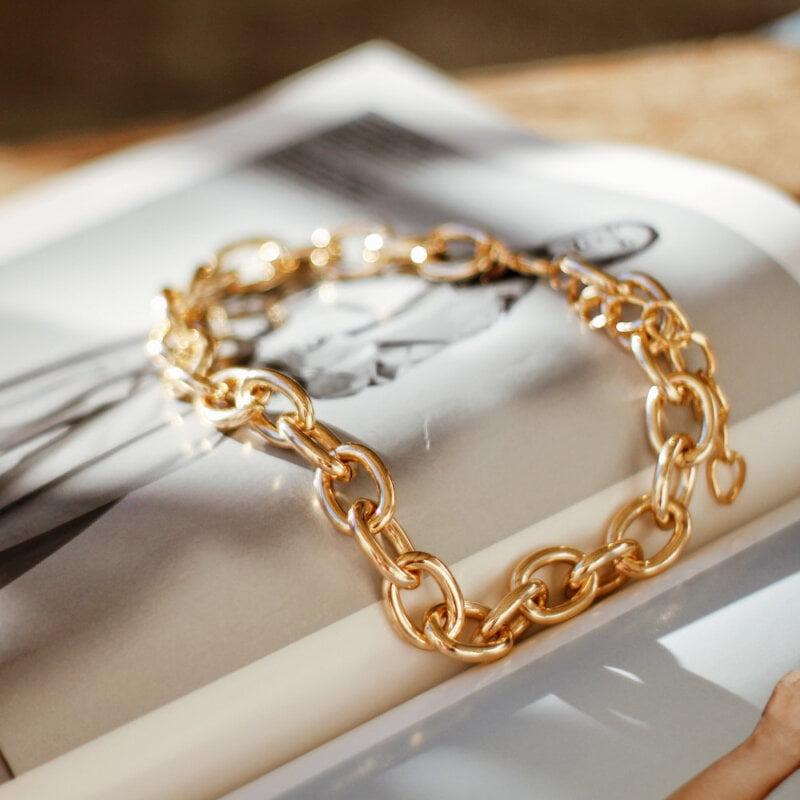 grandinėlės formos auksinė apyrankė